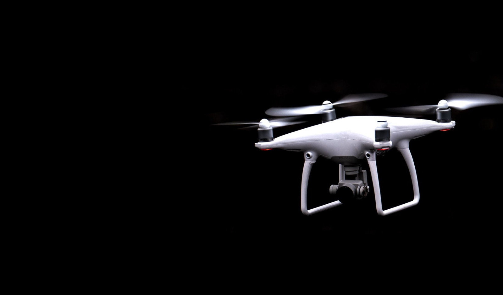 LEARN HOW TO FLY A DRONE